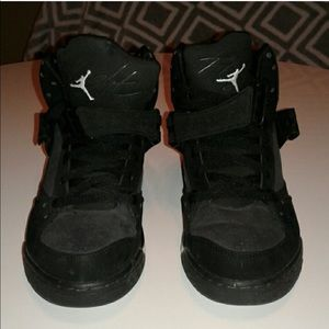 High top/strap suede Jordan's gym shoes